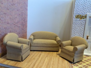 Butternut Sofa Set